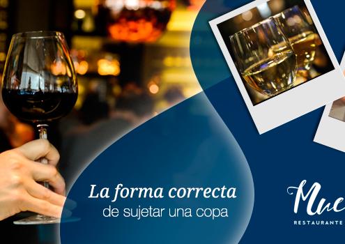 Sujetar la copa de vino de forma correcta
