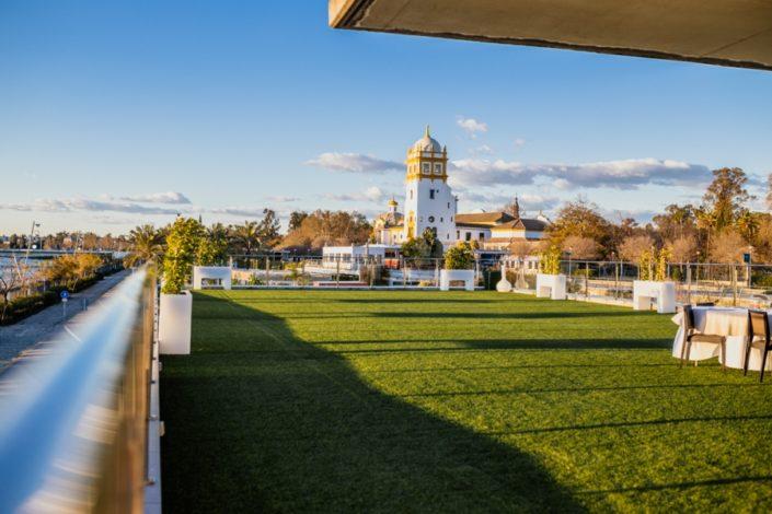 Terraza para eventos con vistas al Guadalquivir